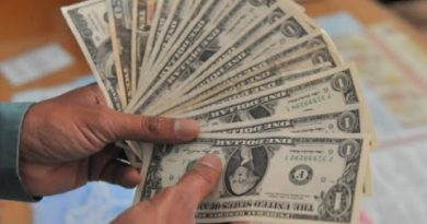 Study: Fewer Americans are saving money 4