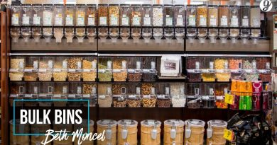 Save money on groceries by shopping the bulk bins - Beth Moncel 4