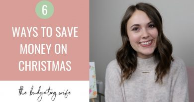 6 EASY WAYS TO SAVE MONEY THIS HOLIDAY SEASON (2018) 3