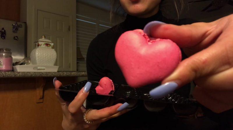 Trying Denny's | Raspberry Macaronssss