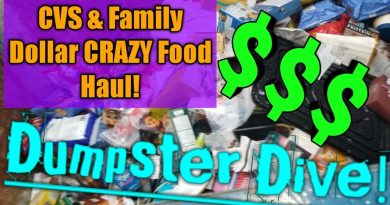 DUMPSTER DIVING! Saving MONEY with Dumpster Food Haul!!! 3