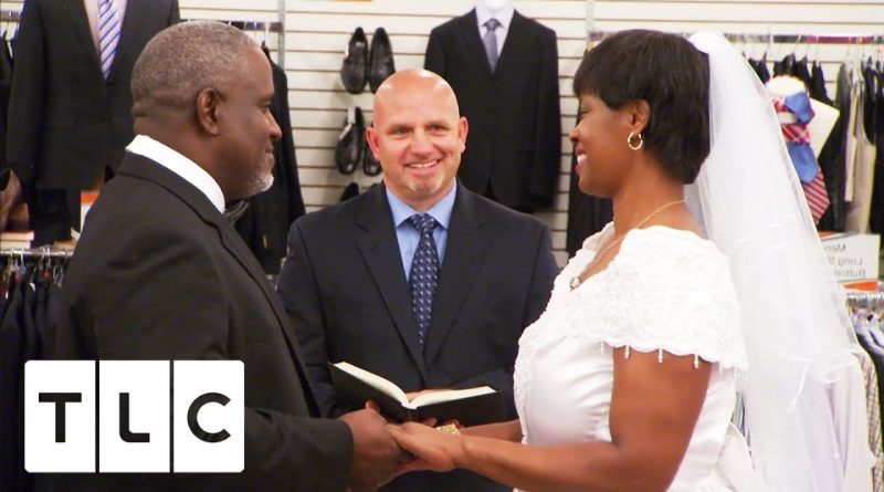 Women Gets Married In A Unclaimed Baggage Centre To Save Money! | Extreme Cheapskates 1