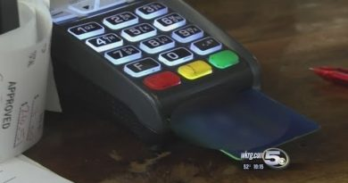 When To Use a Credit Card Vs Debit Card 3